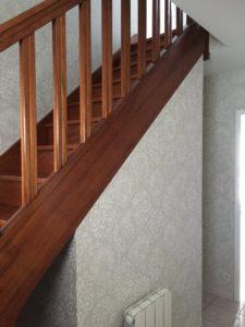 Cage d'escalier entrée papier peint Tours en Indre-et-Loir