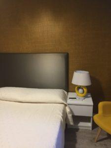 Chambre tête de lit revêtement mural Elitis Croco Tours
